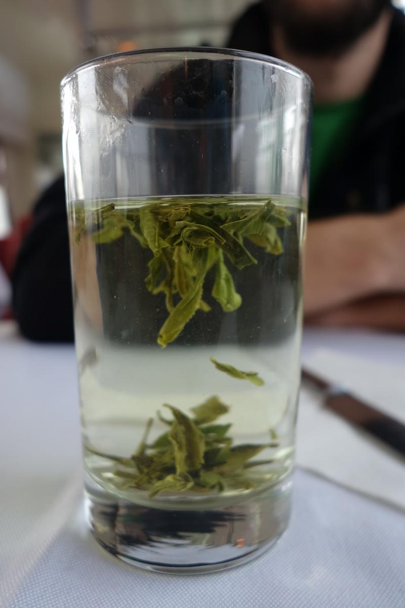 Premier thé vert de Chine, en Chine