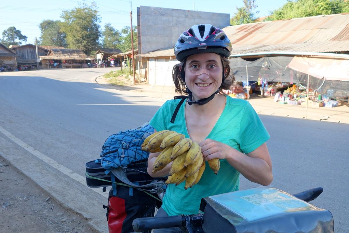 Pause carburant ! A 50cts d'€ le régime de bananes, comment résister ?
